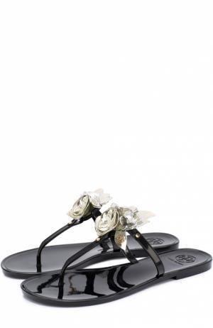 Резиновые шлепанцы с цветочной аппликацией Tory Burch. Цвет: черный