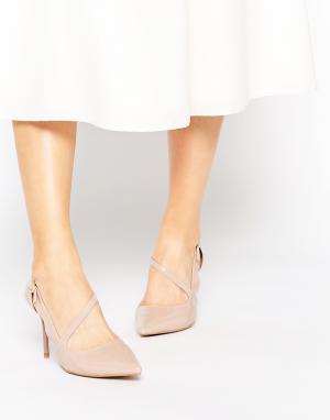 Ravel Туфли на каблуке с острым носком. Цвет: бежевый