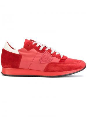 Кроссовки с панельным дизайном Philippe Model. Цвет: красный