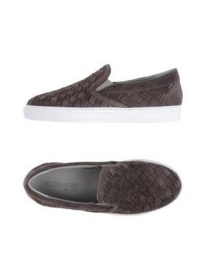 Низкие кеды и кроссовки BOEMOS. Цвет: темно-коричневый