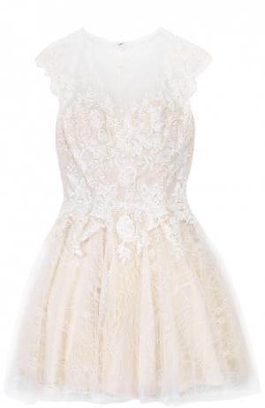 Приталенное мини-платье с кружевной отделкой Basix Black Label. Цвет: белый