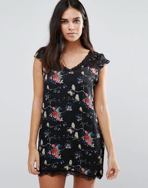 Jasmine Цельнокройное платье с цветочным принтом. Цвет: мульти