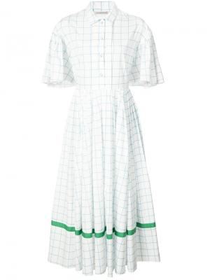 Расклешенное платье в клетку на пуговицах Vika Gazinskaya. Цвет: белый