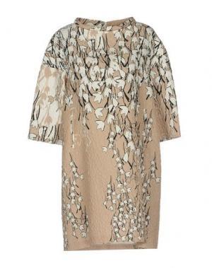 Короткое платье ONE. Цвет: песочный
