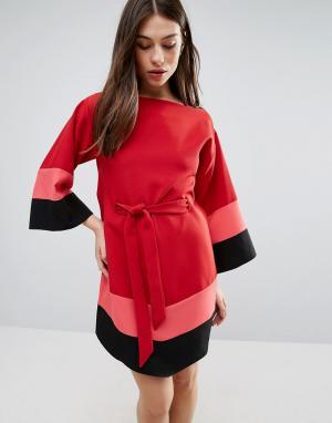 Hedonia Платье с широкими рукавами и ремнем. Цвет: красный
