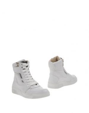 Полусапоги и высокие ботинки DOLCE & GABBANA. Цвет: белый