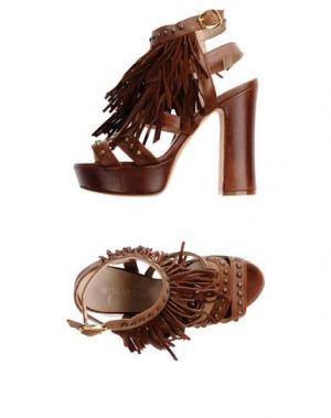 Сандалии STRATEGIA. Цвет: коричневый