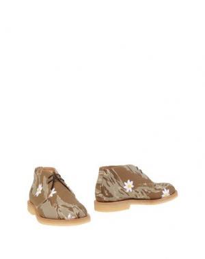 Полусапоги и высокие ботинки MARK MCNAIRY. Цвет: песочный