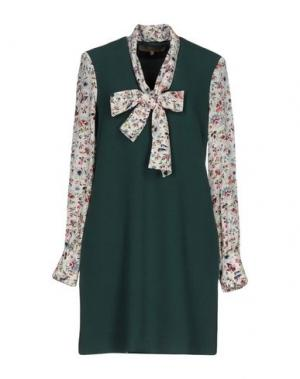 Короткое платье SPACE STYLE CONCEPT. Цвет: зеленый
