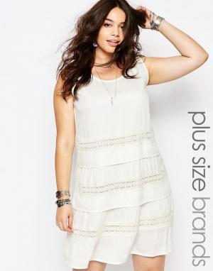 Diya Платье на завязке с ажурными вставками Plus. Цвет: белый