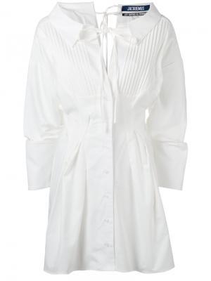 Платье-рубашка с плиссировкой Jacquemus. Цвет: белый