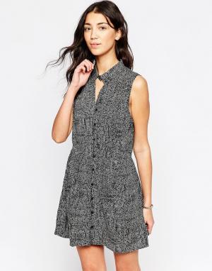 RVCA Короткое приталенное платье без рукавов и с принтом. Цвет: черный