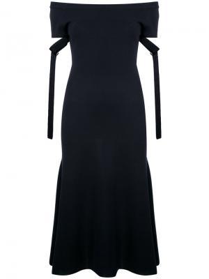 Вязаное платье с открытыми плечами Goen.J. Цвет: чёрный