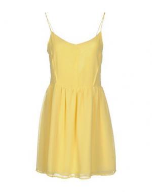 Короткое платье RISSKIO. Цвет: желтый
