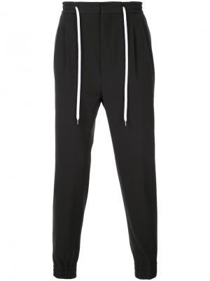 Спортивные брюки с эластичным поясом monkey time. Цвет: чёрный