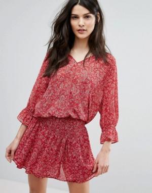 BA&SH Платье с ярусной юбкой и принтом. Цвет: красный