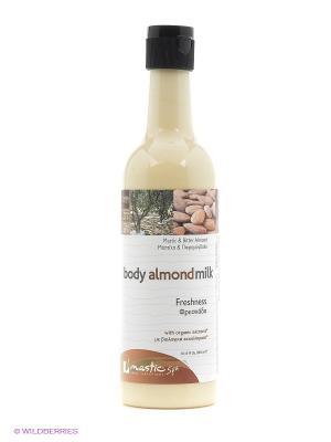Молочко для тела с маслом какао и миндалем Body Almond milk Mastic Spa. Цвет: бежевый