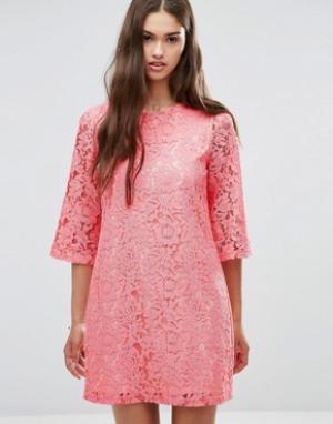 Darling Цельнокройное кружевной платье с рукавами 3/4. Цвет: розовый