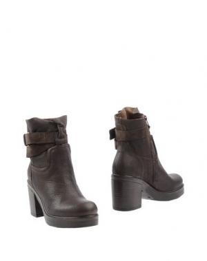 Полусапоги и высокие ботинки MANAS. Цвет: темно-коричневый