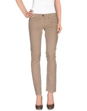 Джинсовые брюки ELISABETTA FRANCHI JEANS. Цвет: песочный