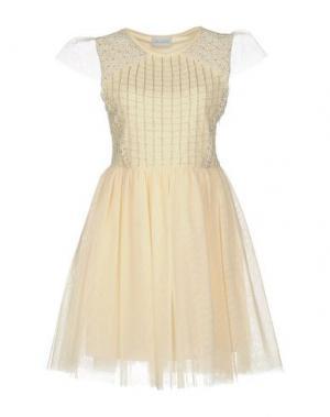 Короткое платье LA KORE. Цвет: слоновая кость