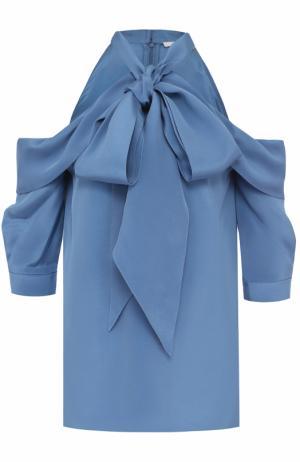 Шелковая блуза с открытыми плечами и воротником аскот Erdem. Цвет: голубой