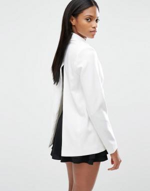 Lavish Alice Блейзер с разрезом на спинке и завязками спереди. Цвет: белый