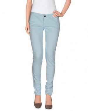 Повседневные брюки CAMOUFLAGE AR AND J.. Цвет: небесно-голубой