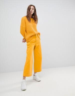 Weekday Свободные джинсы. Цвет: желтый