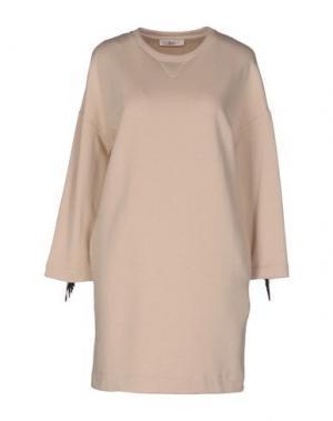 Короткое платье SUOLI. Цвет: бежевый