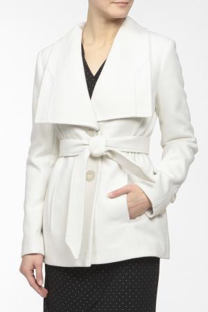 Пальто LANITA. Цвет: белый