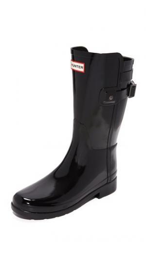 Короткие глянцевые сапоги Refined с ремешком сзади Hunter Boots. Цвет: голубой