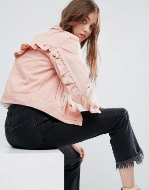 ASOS Джинсовая куртка выбеленного розового цвета с оборками на спине. Цвет: розовый