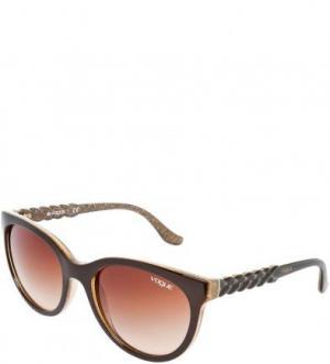 Солнцезащитные очки с пластиковой оправой VOGUE. Цвет: коричневый