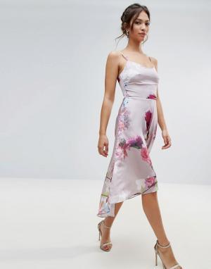 Hope and Ivy Розовое платье асимметричной длины с цветочным принтом &. Цвет: розовый