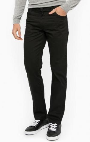 Прямые брюки черного цвета Wrangler. Цвет: черный