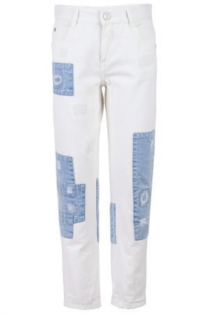 Брюки Gulliver. Цвет: белый, джинсовый