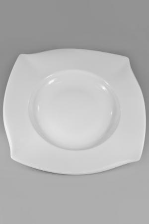 Тарелка суповая Narumi. Цвет: белый