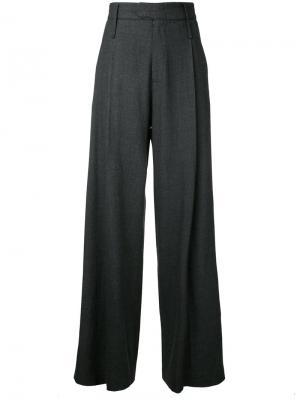 Плиссированные брюки Bassike. Цвет: серый