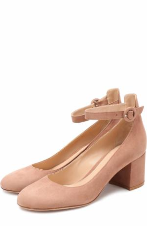 Замшевые туфли Greta с ремешком на щиколотке Gianvito Rossi. Цвет: бежевый