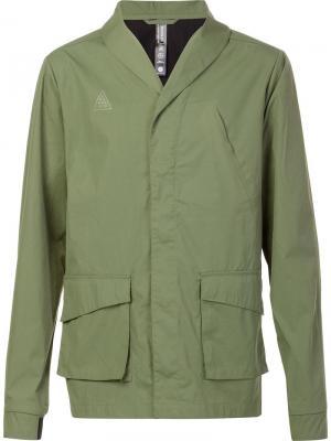 Куртка с накладными карманами Brandblack. Цвет: зелёный