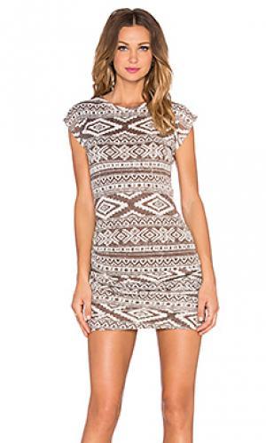 Мини платье с рюшами T-Bags LosAngeles. Цвет: серо-коричневый