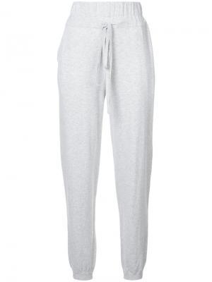 Спортивные брюки с эластичным поясом Apiece Apart. Цвет: серый