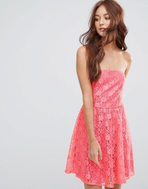 Zibi London Кружевное приталенное платье бандо. Цвет: красный