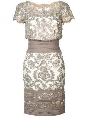 Платье с цветочным узором из пайеток Tadashi Shoji. Цвет: металлический