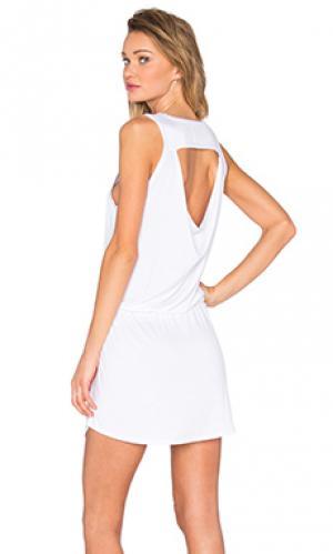 Мини платье с драпировкой на спине Chaser. Цвет: белый
