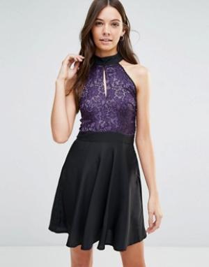 Jasmine Короткое приталенное платье с кружевным верхом. Цвет: черный