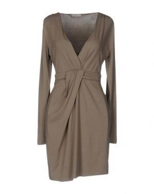 Короткое платье NIOI. Цвет: хаки