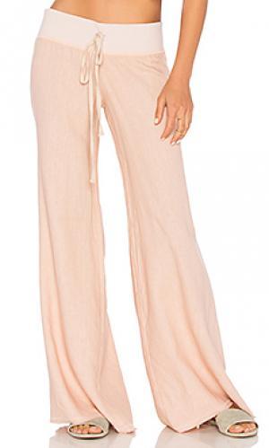 Широкие льняные брюки krisa. Цвет: розовый