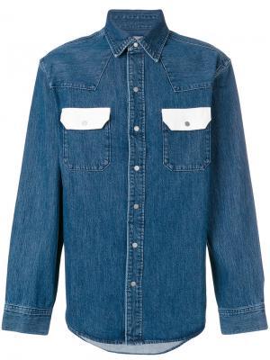 Джинсовая рубашка с контрастными карманами Calvin Klein Jeans. Цвет: синий